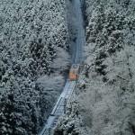 雪のケーブルカー